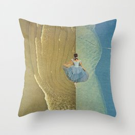 she called it freedom Throw Pillow