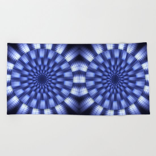 Round blue / white winter pattern design Beach Towel