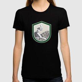 Fishmonger Chop Fish Shield Retro T-shirt