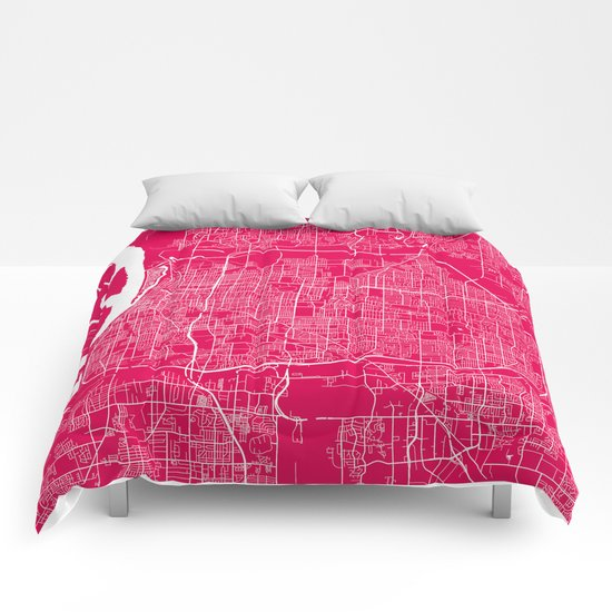 Memphis map rapsberry Comforters