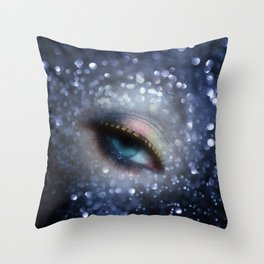 eye of the night Throw Pillow