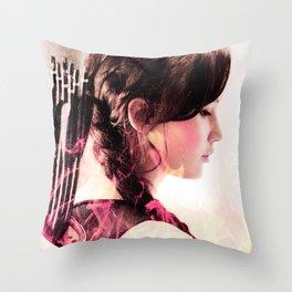 katniss ; if he wants me broken Throw Pillow