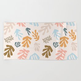Seaweeds and sand Beach Towel