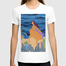 Eve at the beach T-shirt