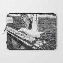 Seagull Taking Flight B&W // California West Coast Pier Vibes Beach Ocean Surf City USA Laptop Sleeve