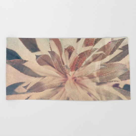 Vintage agava. Beach Towel