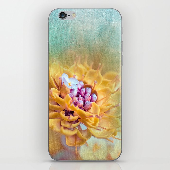 VARIE SQUARE - Floral and painterly texture work iPhone Skin