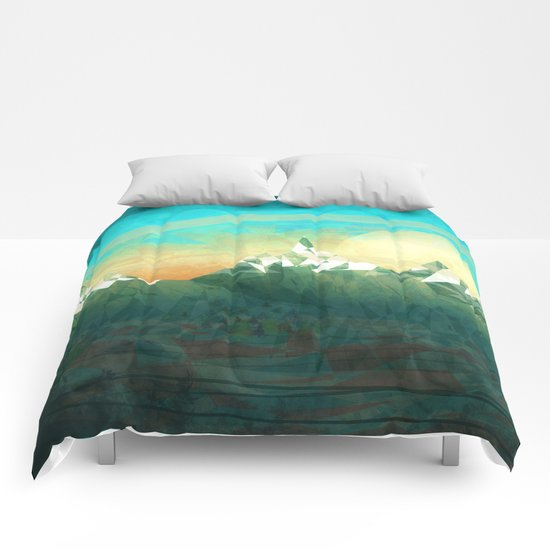 Mountains abowe the blue sky Comforters