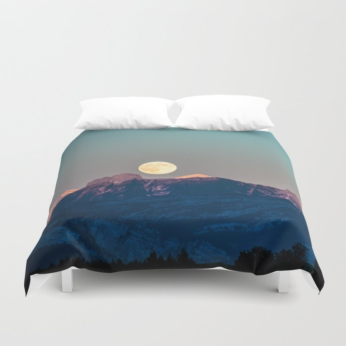 The Rising Moon Duvet Cover