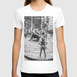 Fearless Girl & Charging Bull in the rain T-shirt