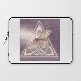 Nuit, the great-horned owl on white Laptop Sleeve
