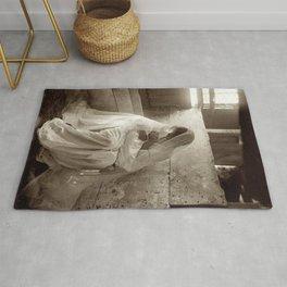 Gertrude Kasebier Photo The Manger 1901 Rug