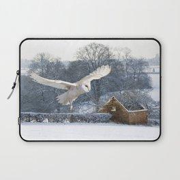 Barn owl in flight Laptop Sleeve