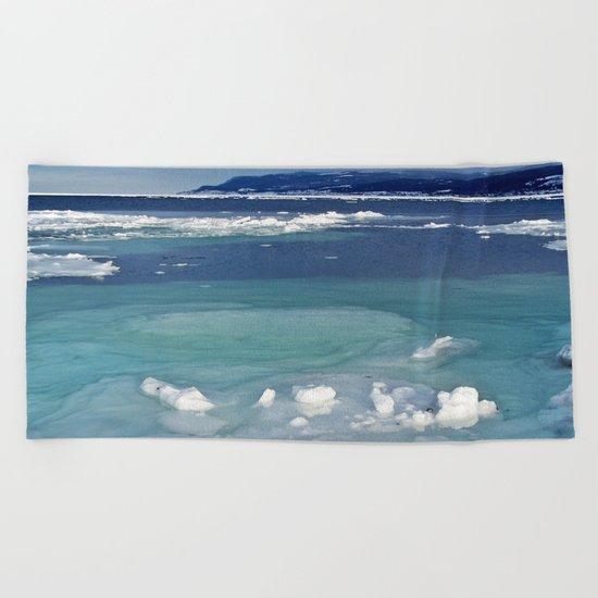 Snow and Ice pool Beach Towel