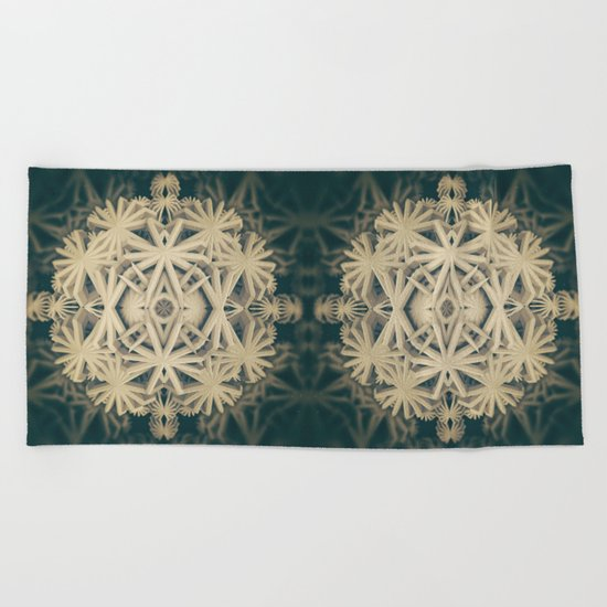 Gzonomenhle [solo] Beach Towel