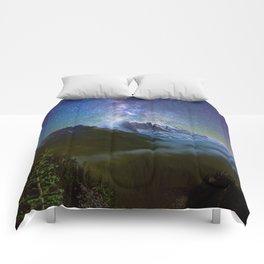 Milky Way Over Mount Rainier Comforters