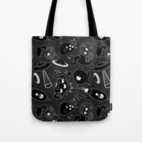 aliens Tote Bags featuring Aliens by Fabio Leone