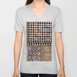 Details in The Alhambra Palace. Gold courtyard Unisex V-Neck
