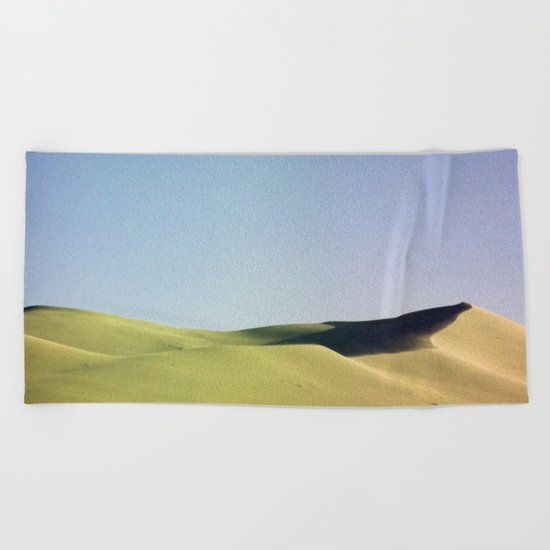 grain loss Beach Towel