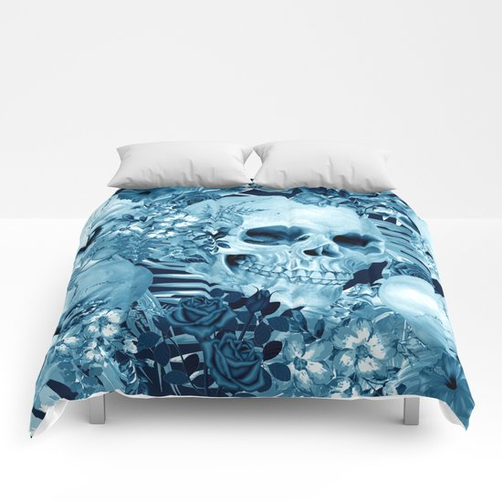 tropic skull Comforters
