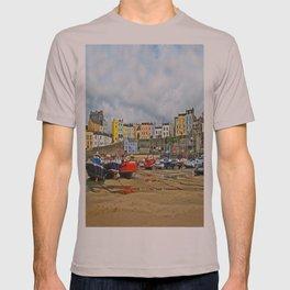 Tenby Harbour . Sunlight. Pembrokeshire. Wales. T-shirt