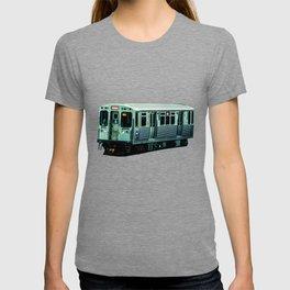 Approaching Sheridan Chicago Train Red Line El Train L Train CTA Commuter T-shirt