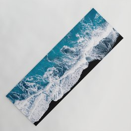 Black sand beach with waves and blue Ocean in Iceland – Minimal Photography Yoga Mat