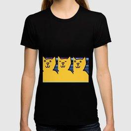 Yellow Cat having a deep reflective thought T-shirt