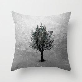 TREEHOUSE N.1 Throw Pillow