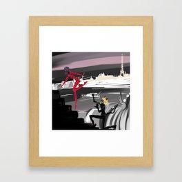 La petite coccinelle rouge Framed Art Print