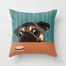 Le pug et le macaron Throw Pillow