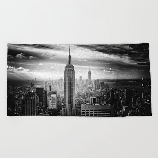 New york city black white 2 Beach Towel
