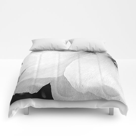 White Petals | Macro Nature Comforters