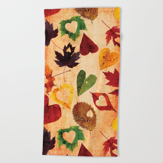 Happy autumn- hearts and leaves pattern Beach Towel