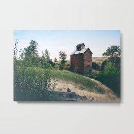 Wooden Grain Silo in Boyd, Oregon Metal Print