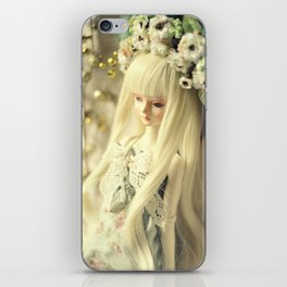 Lilith winter  iPhone Skin