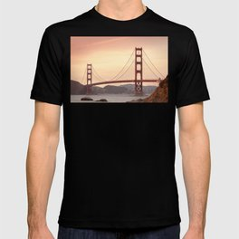 Golden Gate Bridge (San Francisco, CA) T-shirt