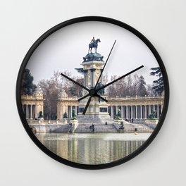 El retiro Wall Clock