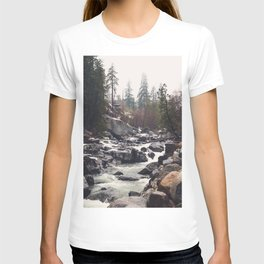 Morning Mountain Escape - Nature Photography T-shirt
