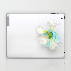 Wonderful white Amaryllis... Laptop & iPad Skin