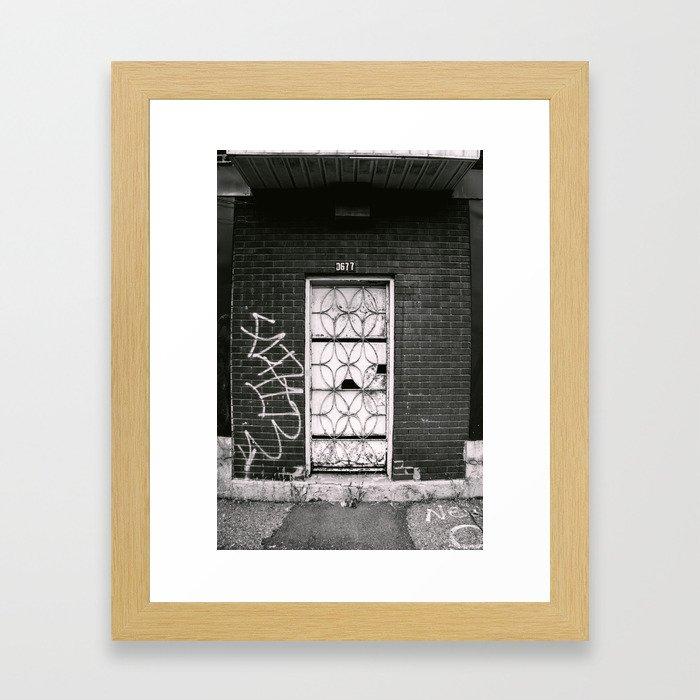 0677 Framed Art Print
