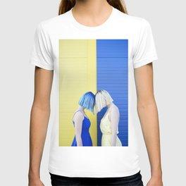 Yellow vs blue T-shirt