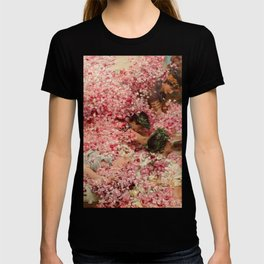 roses of heliogabalus T-shirt