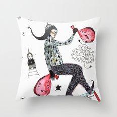 Porte-à-faux Throw Pillow