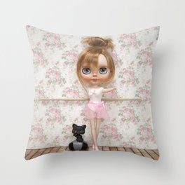 BALLET BLYTHE DOLL BY ERREGIRO Throw Pillow