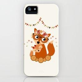 Maman et bébé renard iPhone Case