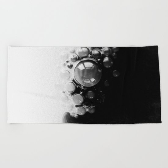 BLACK AND WHITE PAINT MIXING Beach Towel