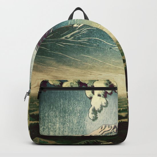 5 Lakes at Moonlight Backpack