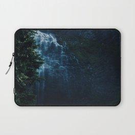 Where Mermaids Bathe Laptop Sleeve