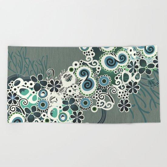 Diagonal flower – blue and green fiber Beach Towel
